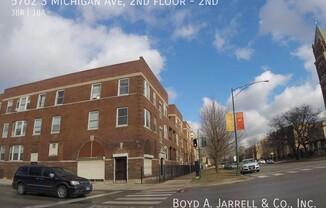 5702 S Michigan Ave, 2nd floor