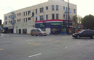 2532 DALY STREET