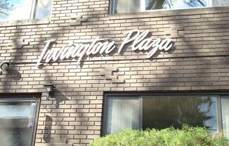 Irvington Plaza Apartments 1902 - 1944 NE 17th Avenue