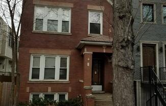 2304 North Oakley Avenue