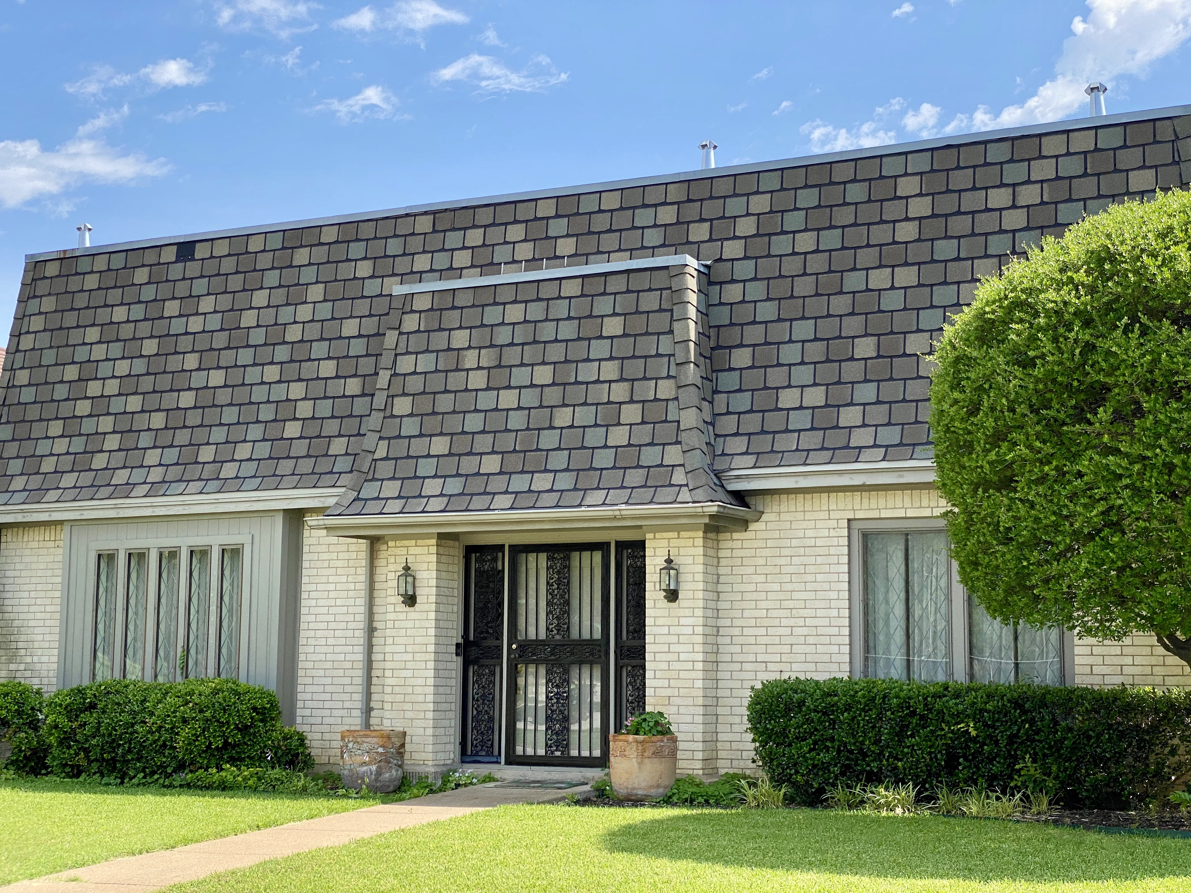Country Club Lane Home in Woodhaven in Fort Worth