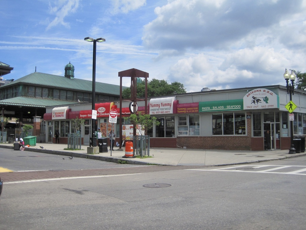 Washington Street Restaurants in Roxbury