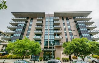 1830 NW Riverscape, #511
