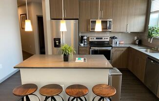 Fully Furnished All Inclusive apartment with flexible lease terms in Denver