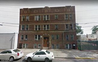 32 Dayton St