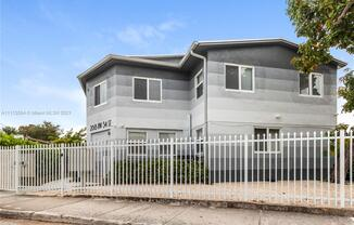 268 NW 34th St