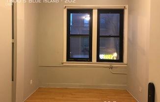 1800 S Blue Island