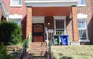 725 Fairmont St NW - Upper Front Room #A