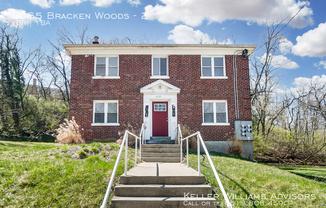 3065 Bracken Woods