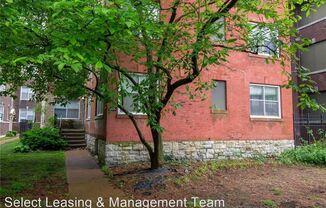 5576 Pershing Ave