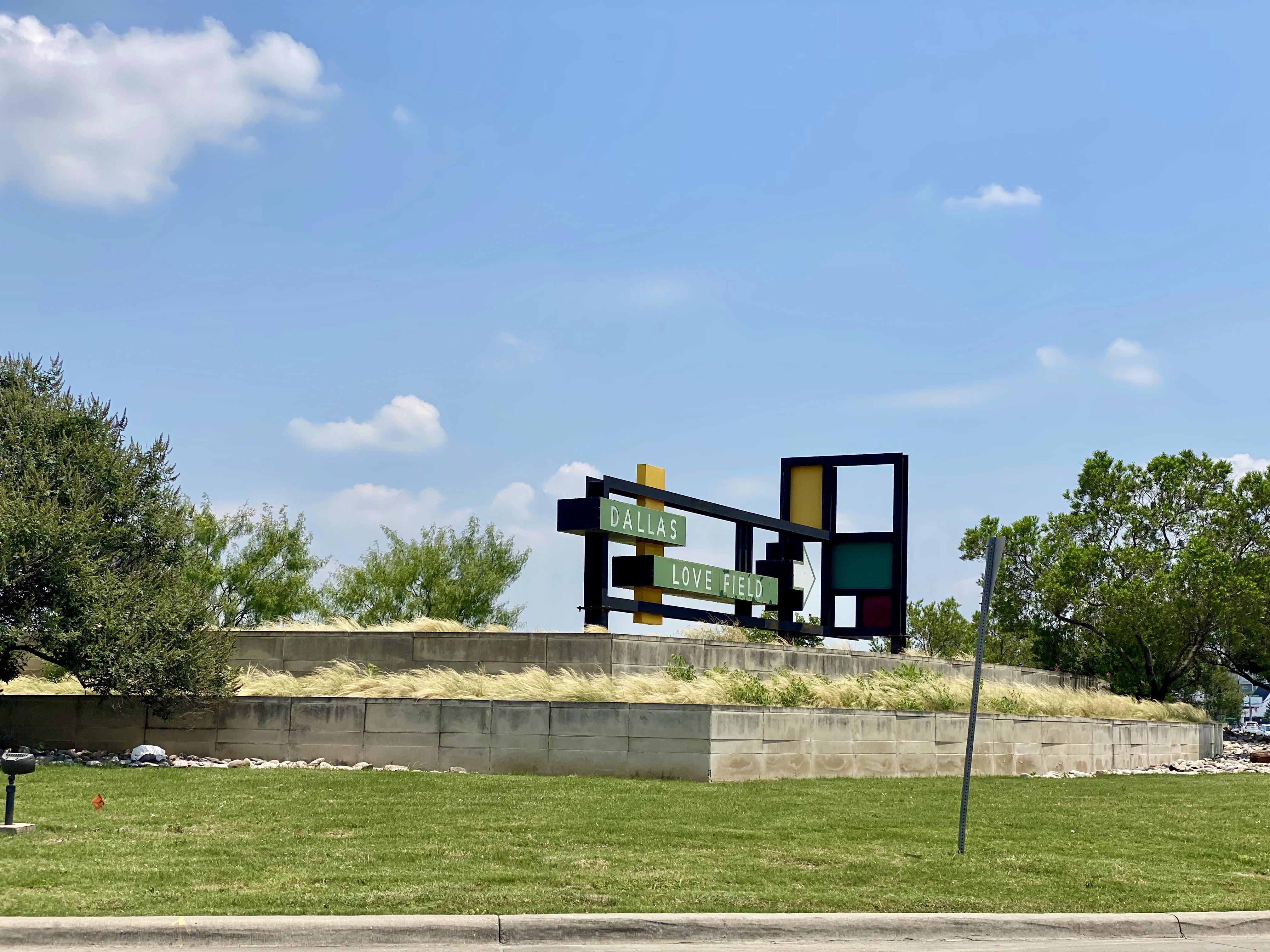 Sign for Love Field, Northwest Dallas