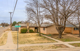 5001 55 AVE