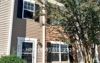 252 HAMPSHIRE DOWNS DR