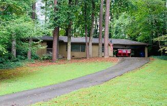 3619 Old Ivy Lane NE