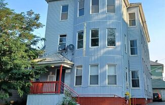 12 Suffield St 3