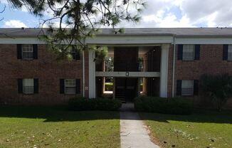 2203 W Pensacola St