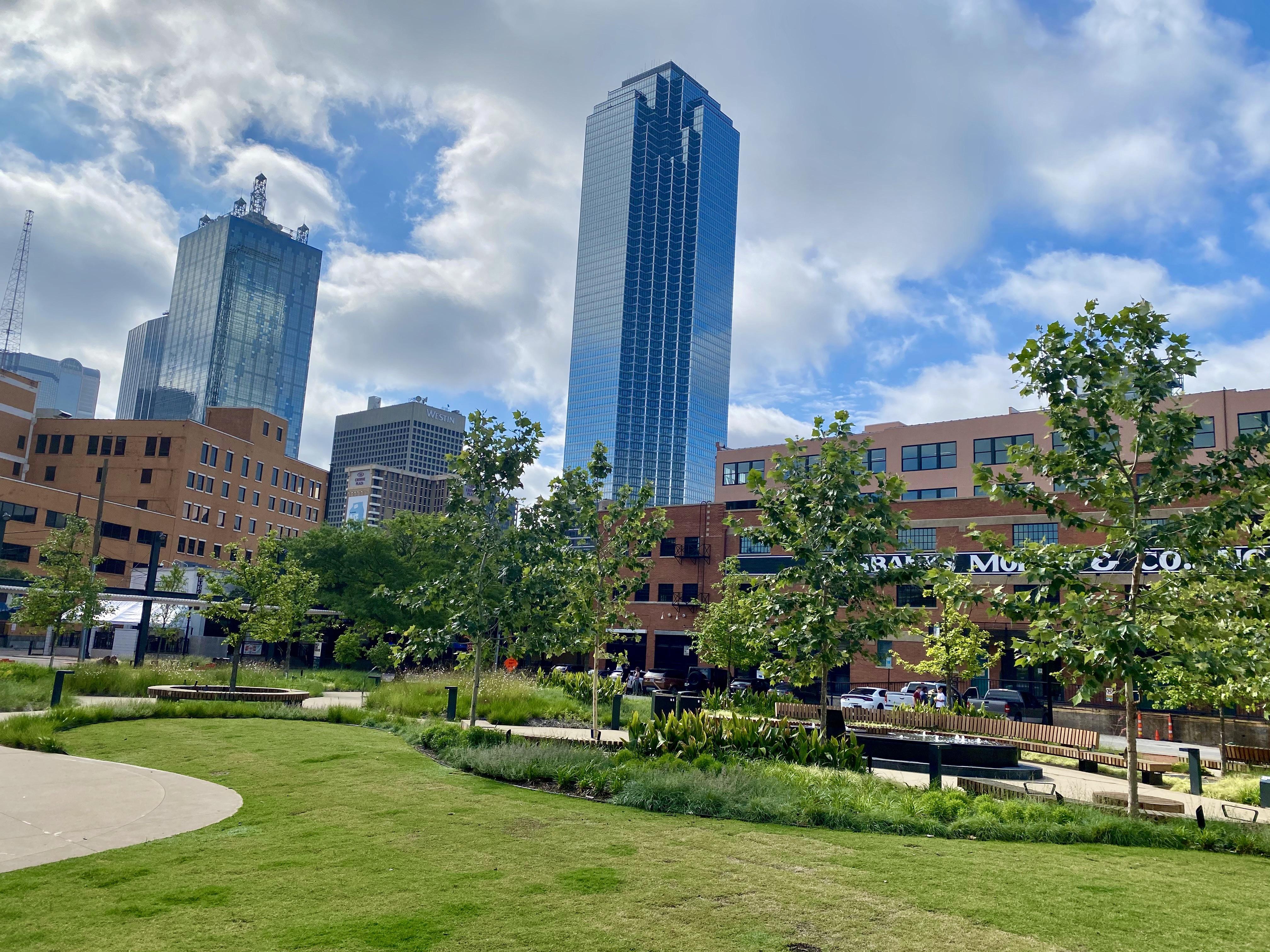 Park near West End Square in Dallas, TX