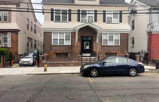 421-423 Leslie Street 1-5 Units