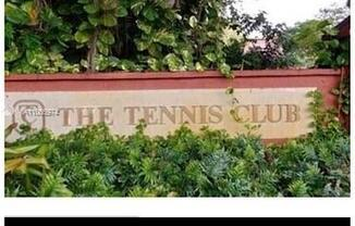 640 Tennis Club Dr