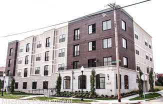 3625 Dewey Ave
