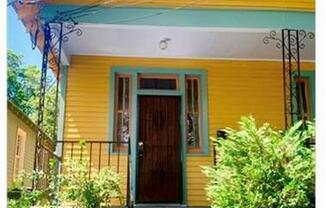 828 NEWTON Street
