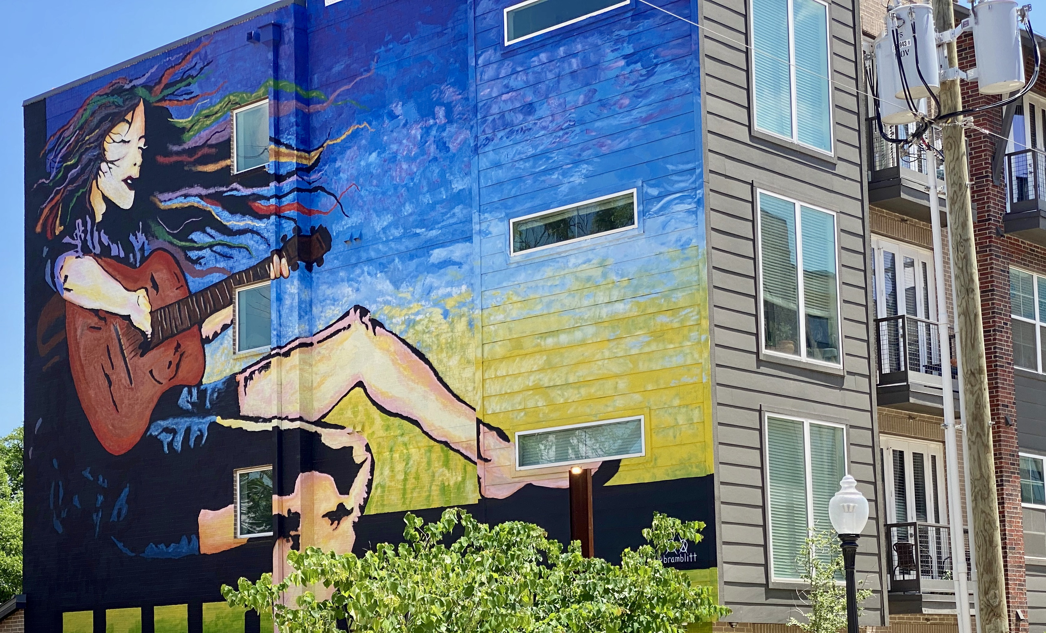 Bishop Highline Apartments and Mural